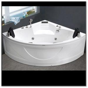 C425 White Corner Jacuzzi Bathtub